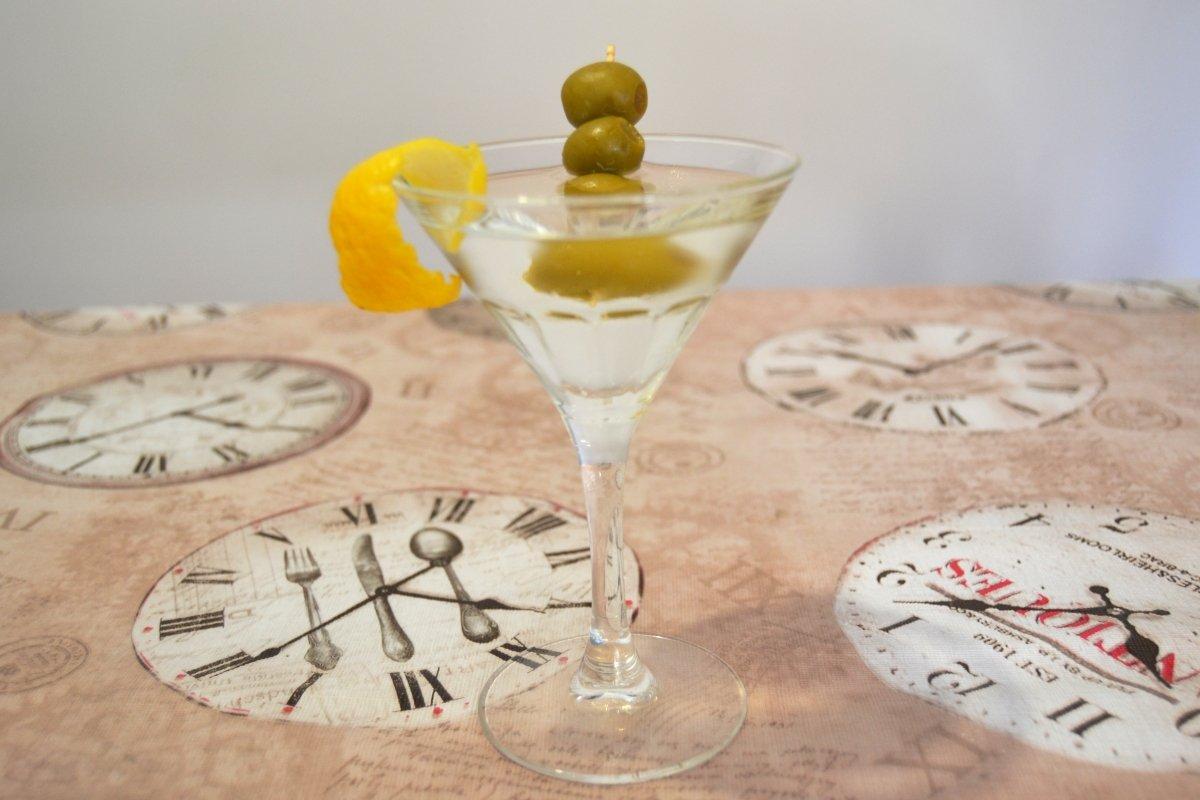 Aceitunas y corteza de limón