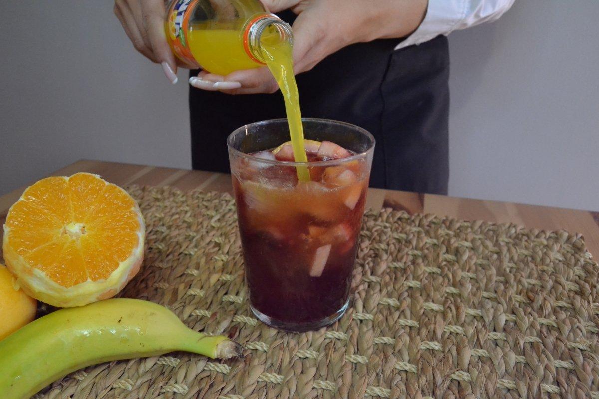 Agregar refresco de naranja