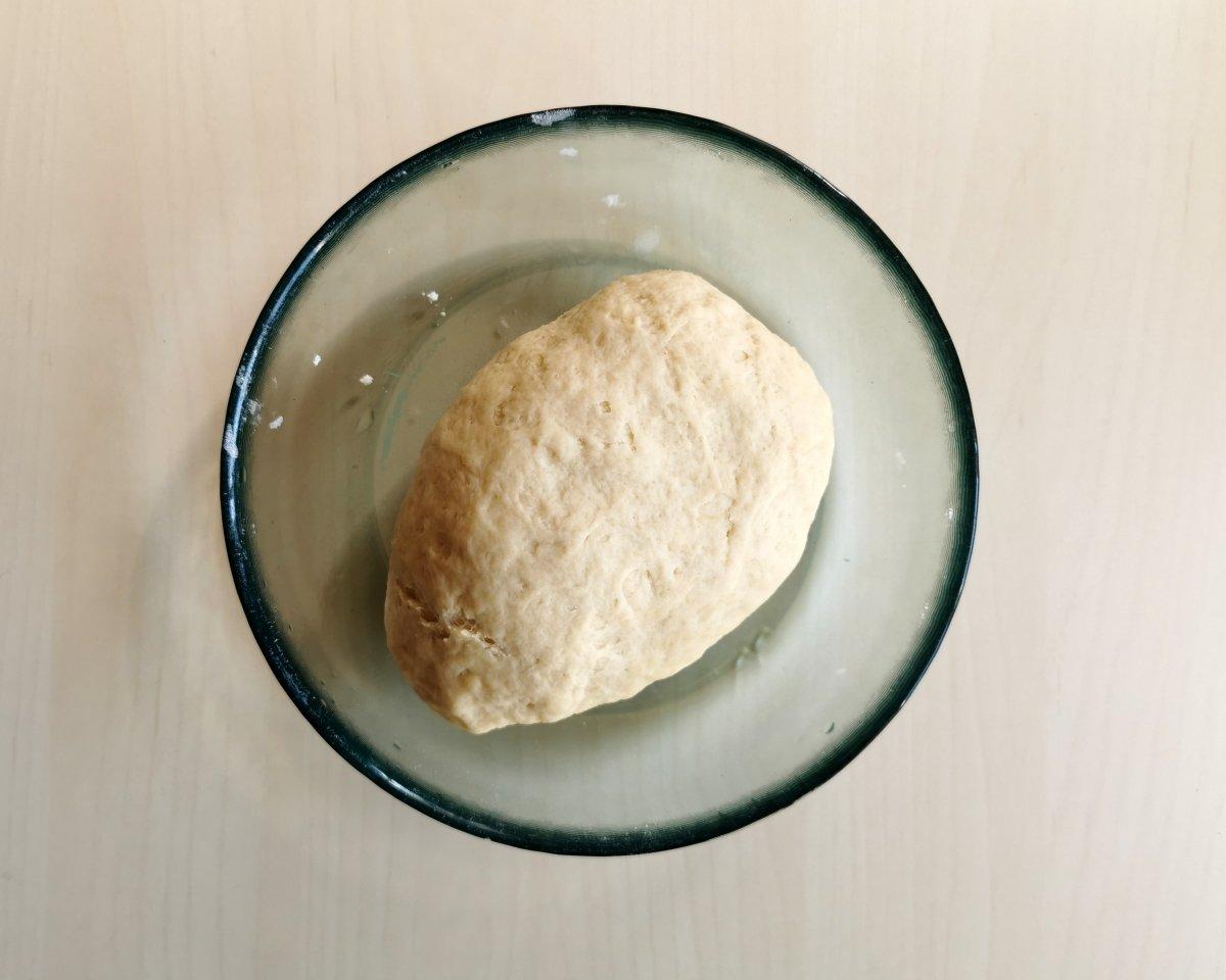 Amasar todos los ingredientes de las tortillas