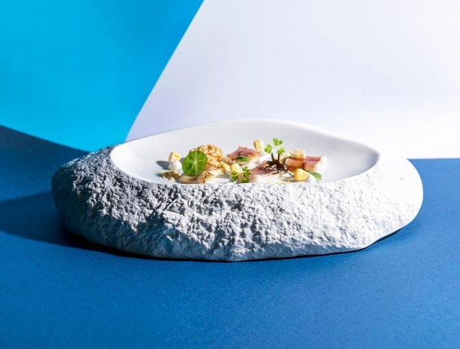 Anguila ahumada, maíz, yogur y ponzu