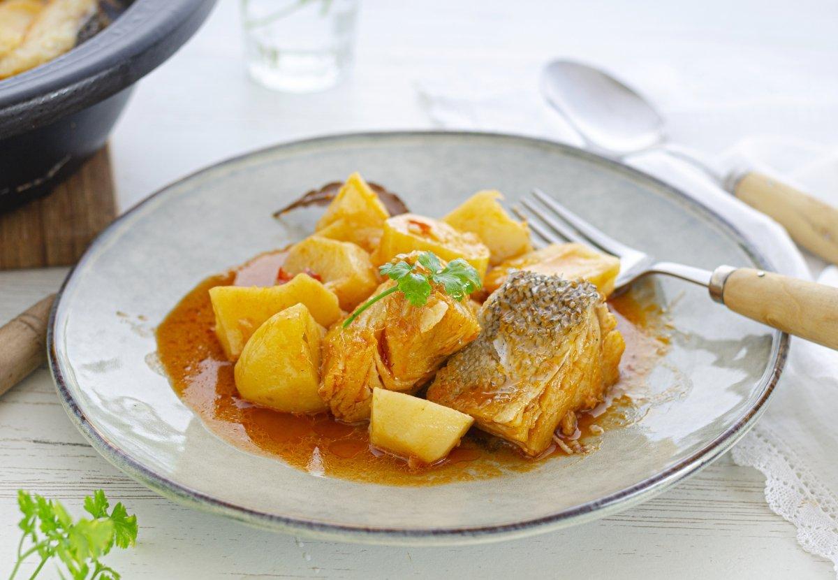 Patatas guisadas con bacalao