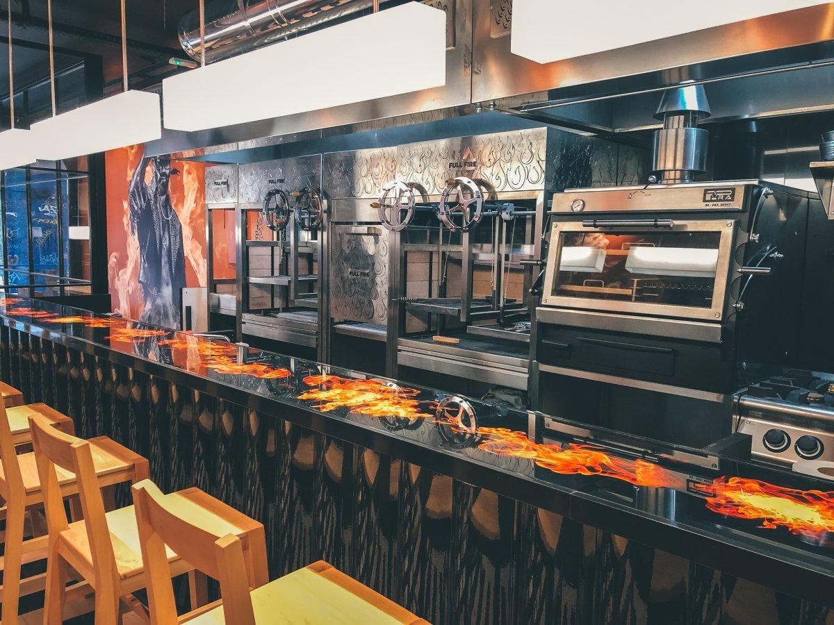 Bar de Fuegos, cocina de parrilla y humo