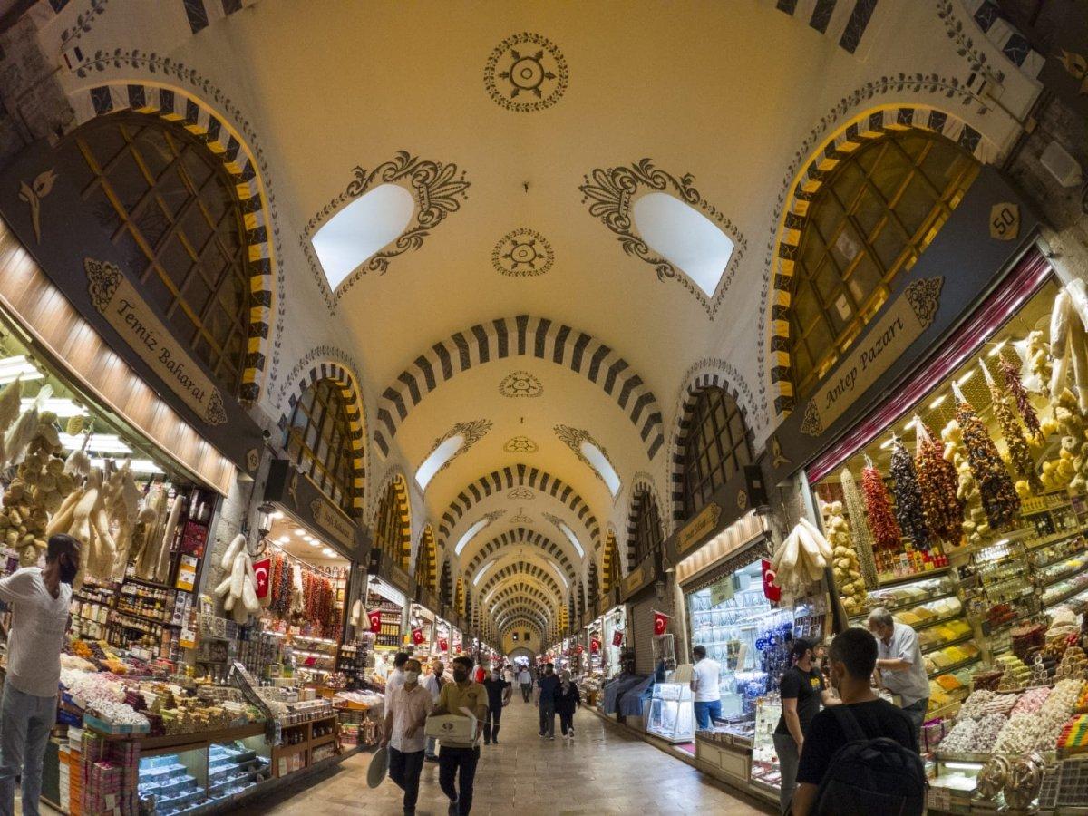 Bazar de las especias de Estambul, una ruta por los sentidos