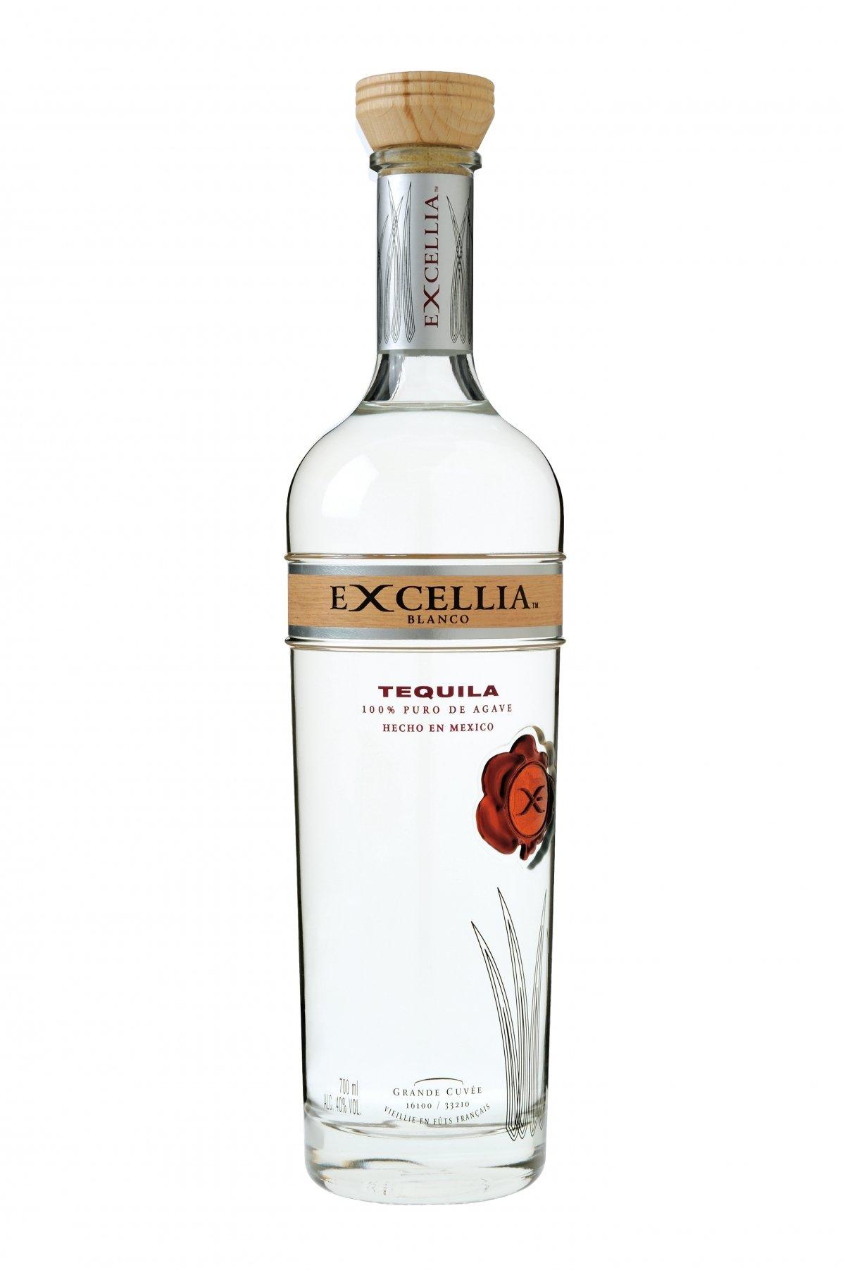 Botella de Excellia Blanco Tequila