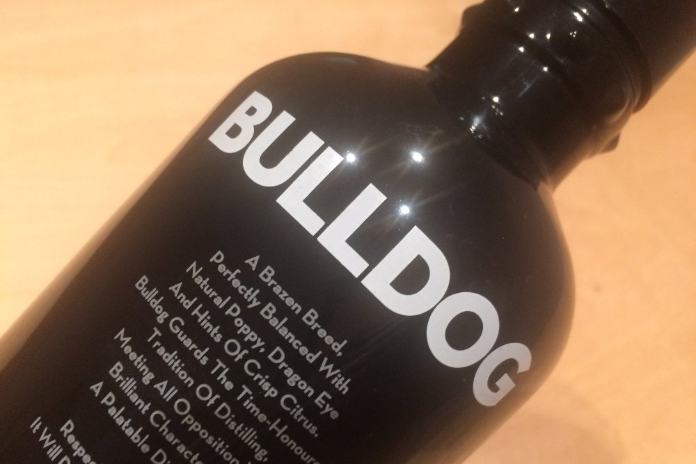 Botella de ginebra Bulldog