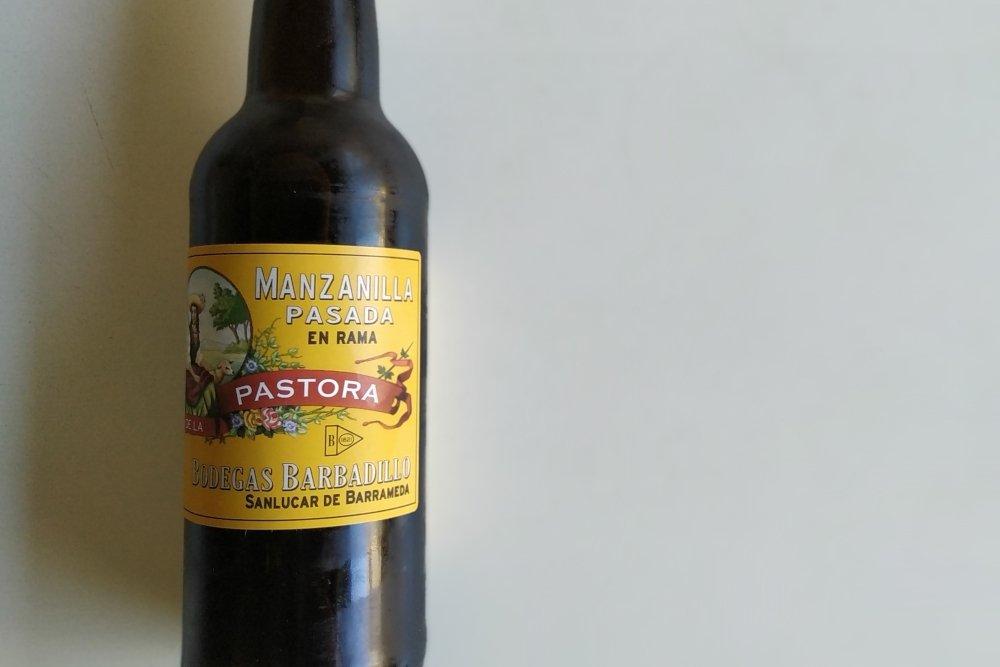 Botella de Pastora pasada en rama