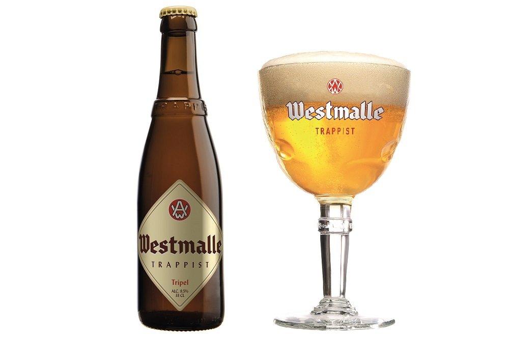 Botella y copa de cáliz de Westmalle Tripel