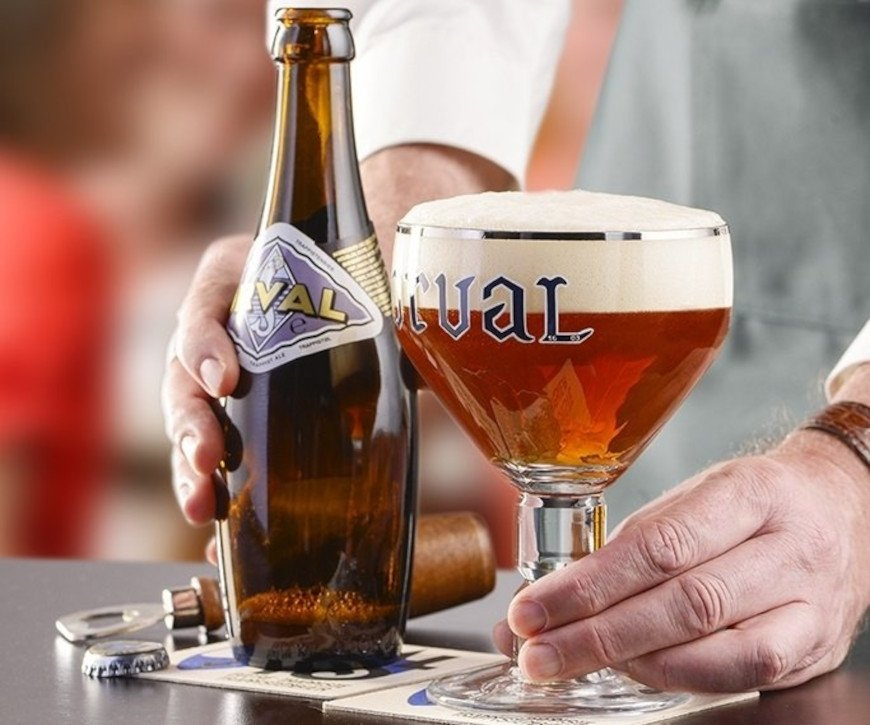 Botella y copa de Orval