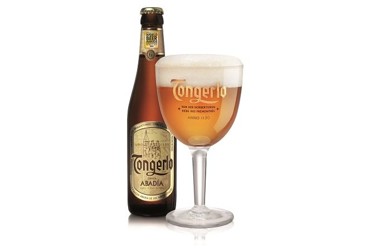 Botella y copa de Tongerlo Blonde