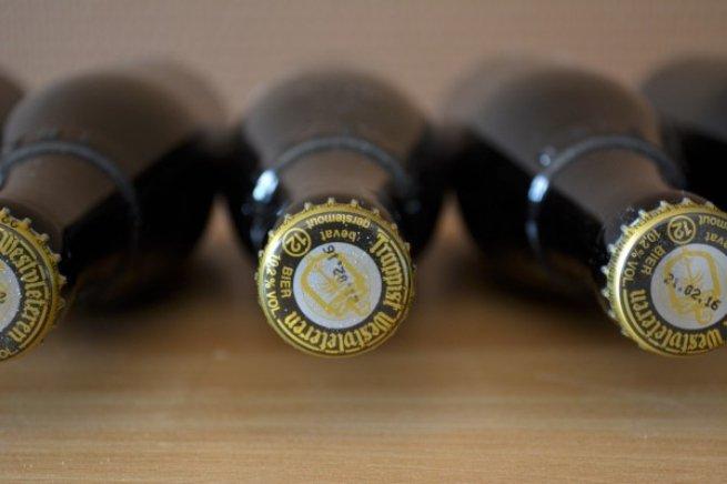 Botellas tumbadas de Westvleteren 12