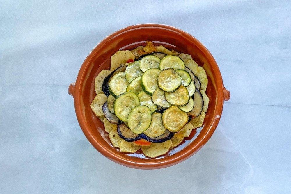 Capa de calabacín frito
