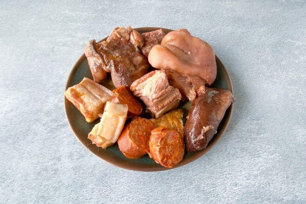 Carnes y embutidos de la olla podrida