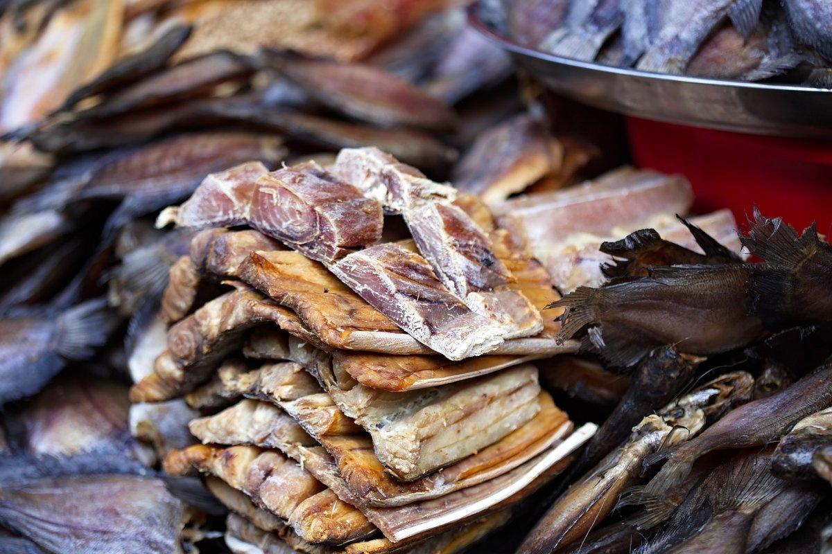 Cazón servido como pescado seco