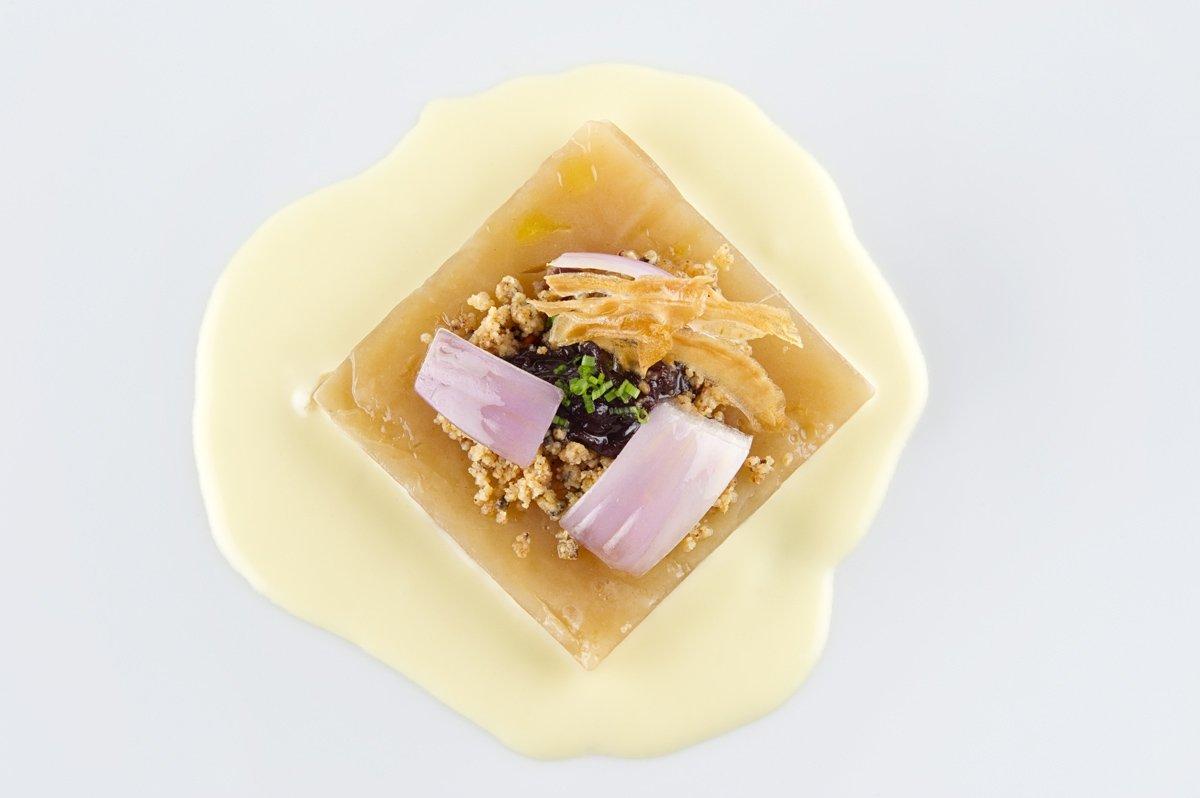 Cebolla morada de Zalla del restaurante Mina