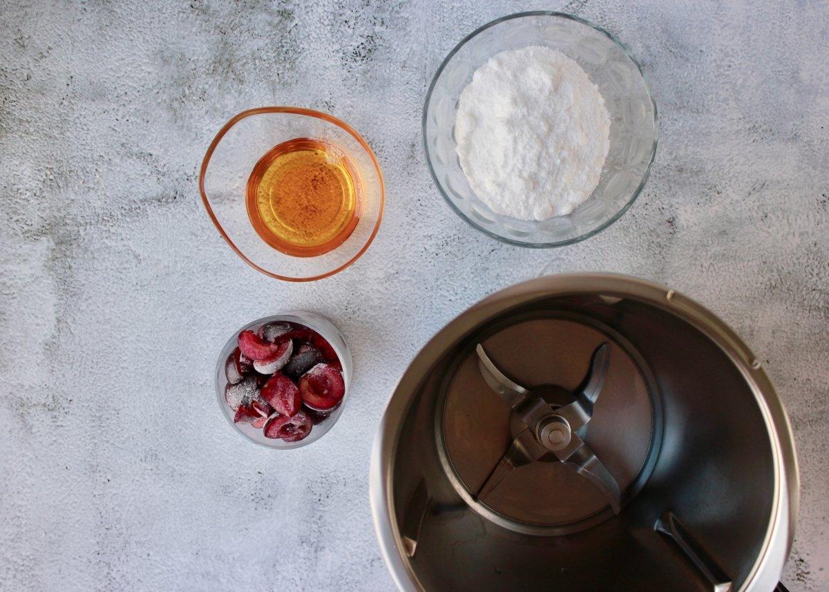 Cerezas congeladas para triturar con miel y azúcar Glass