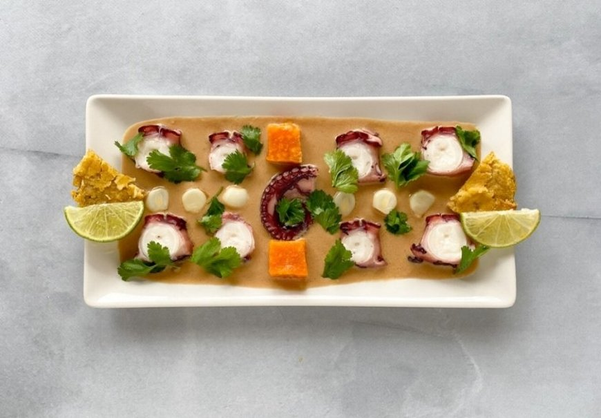 Ceviche nikkei de pulpo con cilantro y boniato