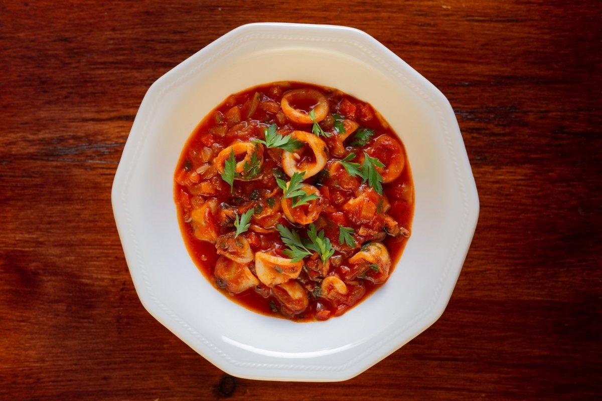 Chipirones en salsa de tomate