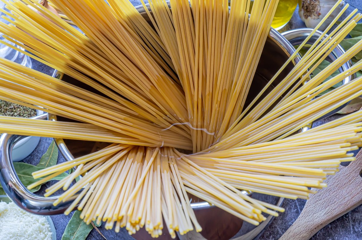 Cocer los espaguetis