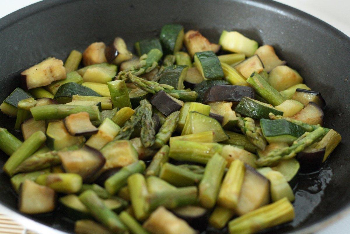 Cocinar las verduras a la plancha