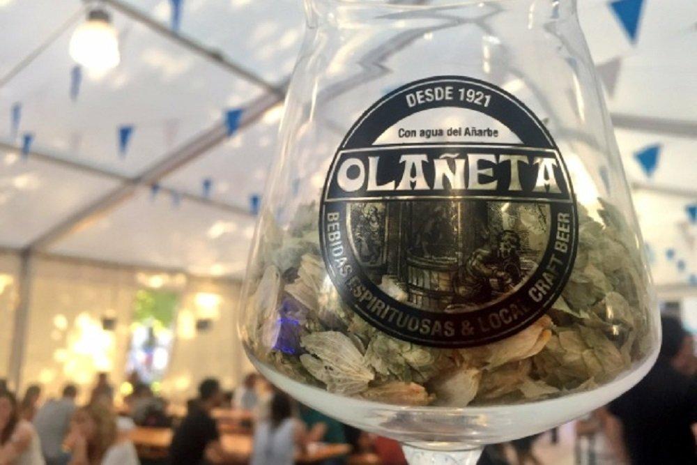 Copa de cerveza de la marca Olañeta