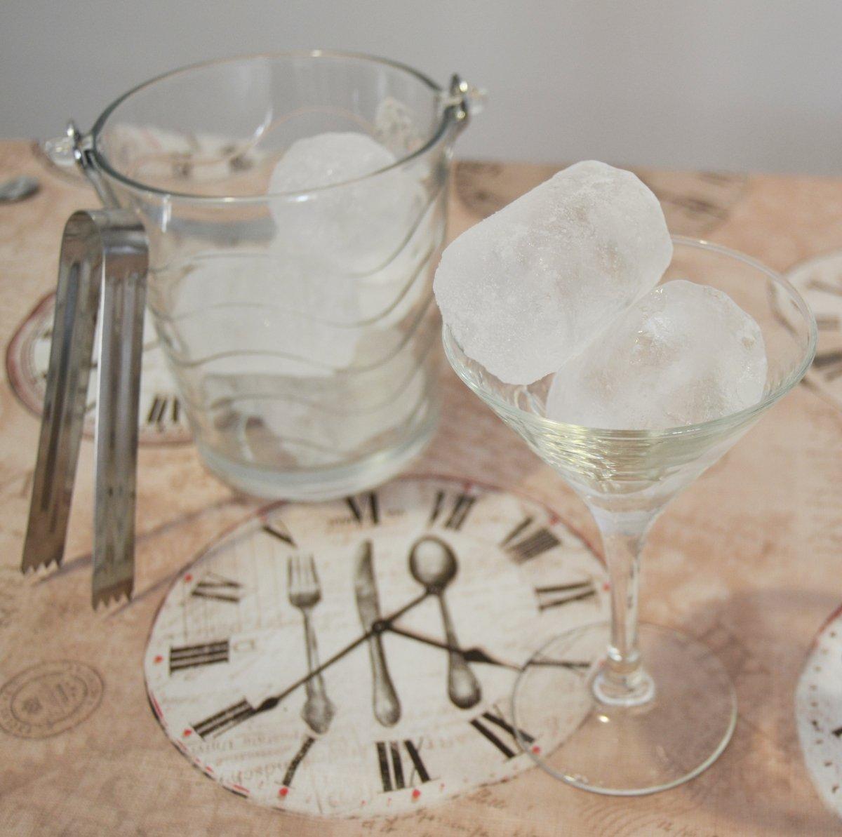 Una copa de cóctel fría