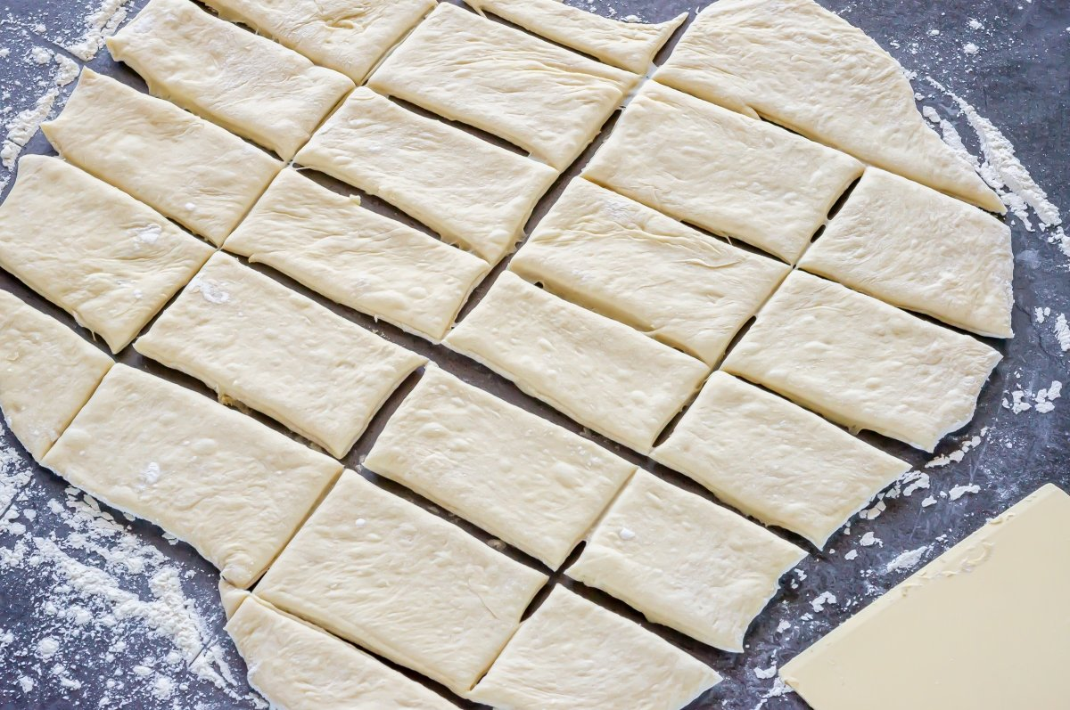 Cortar la masa de beignets