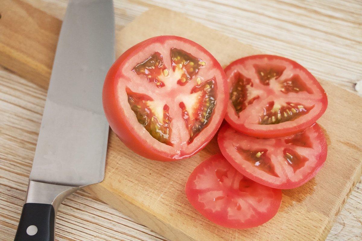 Cortar los tomates