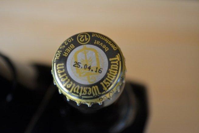Detalle de la chapa dorada de una Westvleteren 12