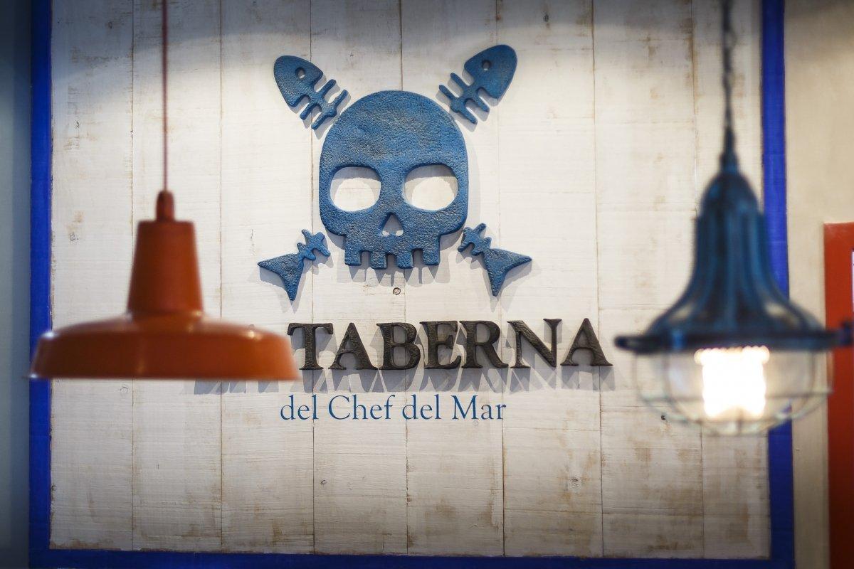 Detalle de la imagen corporativa de La Taberna del Chef del Mar en la propia taberna