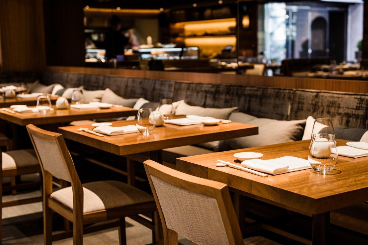 Detalle de la sala del restaurante Nobu de Marbella