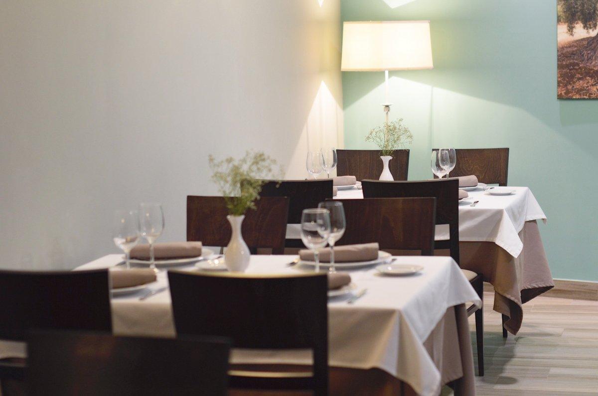 Detalle de la sala del restaurante Taberna de Miguel