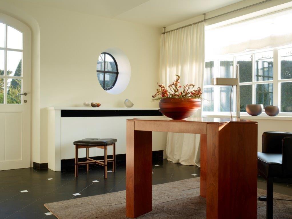 Detalle de una de las estancias del restaurante Hof Van Cleve