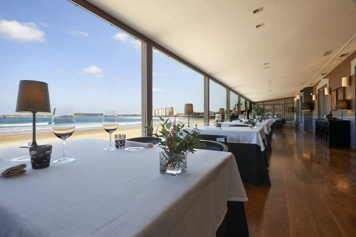 Detalle de una mesa del restaurante Real Balneario de Salinas