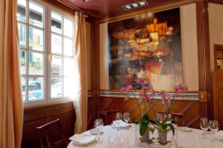 Detalle del comedor del restaurante Elkano de Getaria