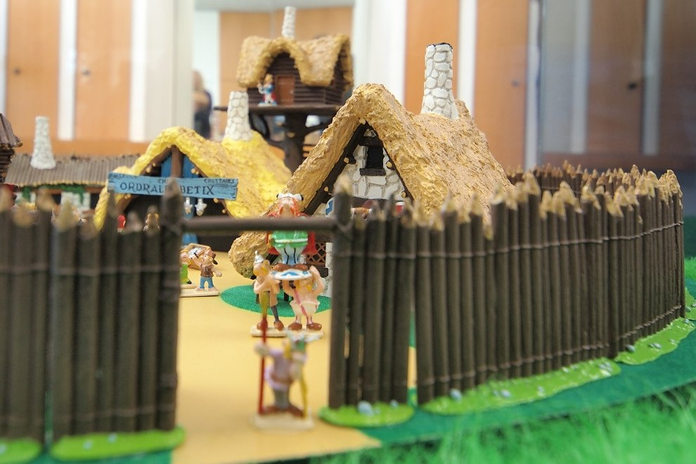 Diorama que representa el pueblo de Astérix y Obélix