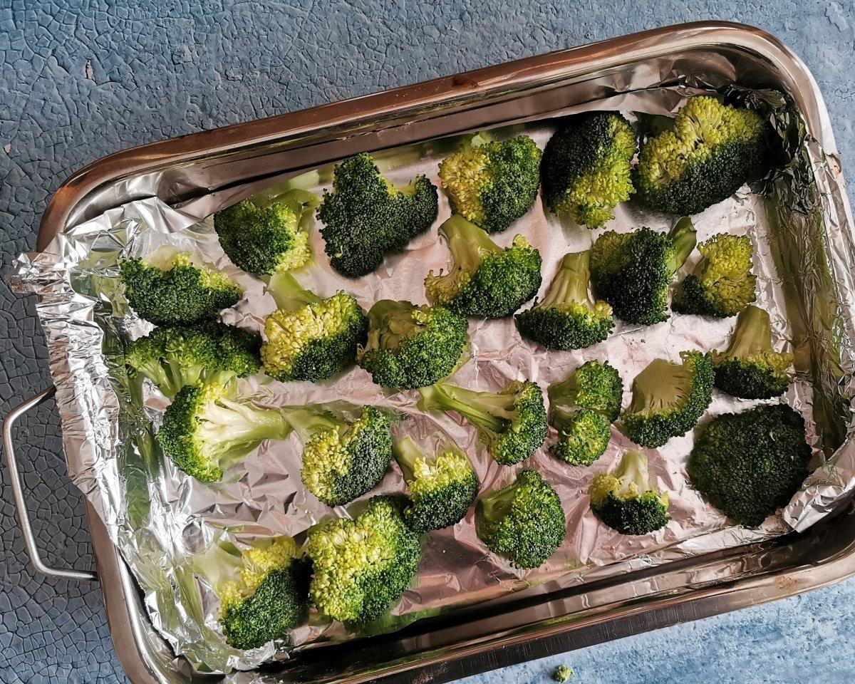 Disponer las flores del brócoli en una capa