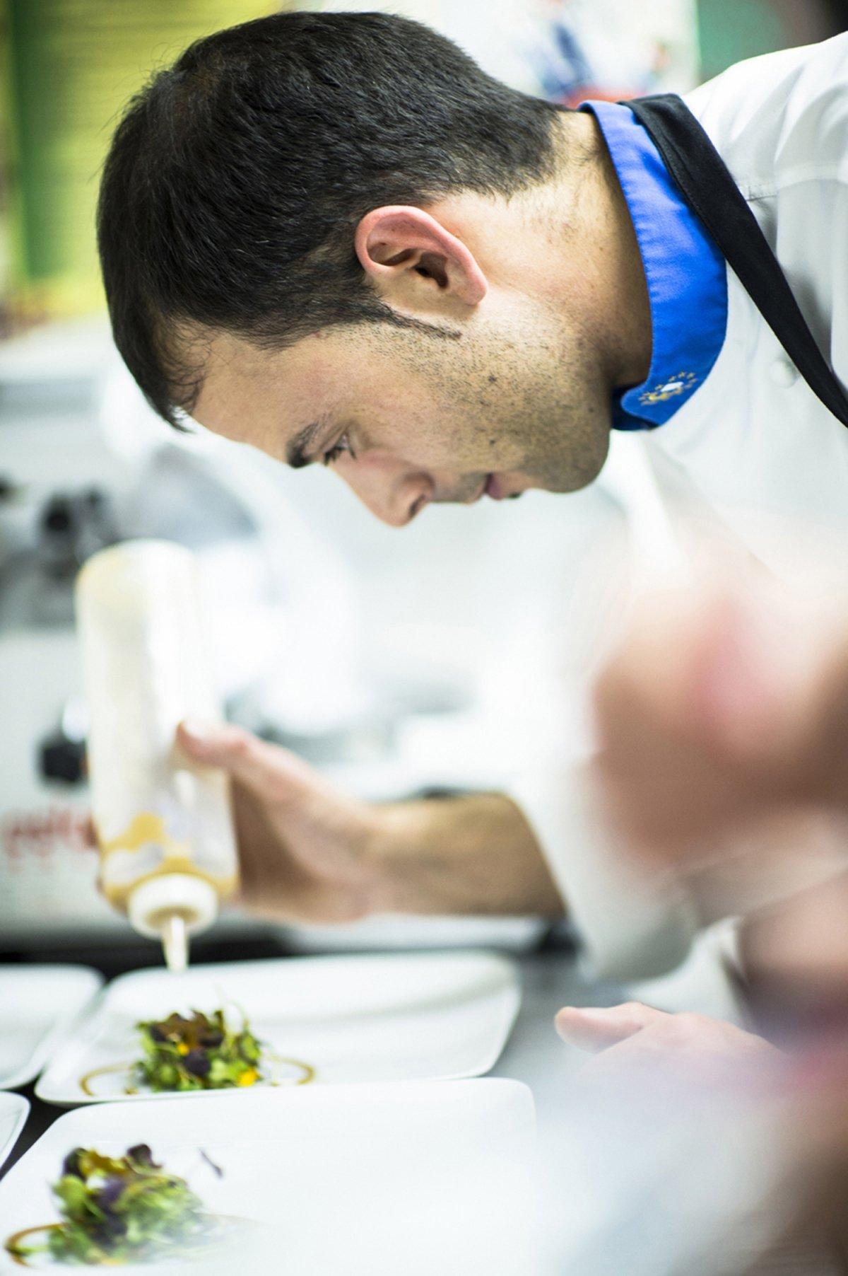 El chef Javier Rodríguez Martínez del restaurante Delirios
