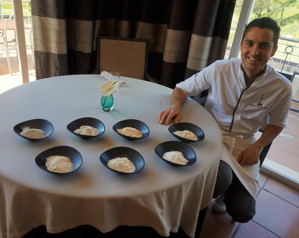 El cocinero del restaurante El Lago, Juan José Carmona