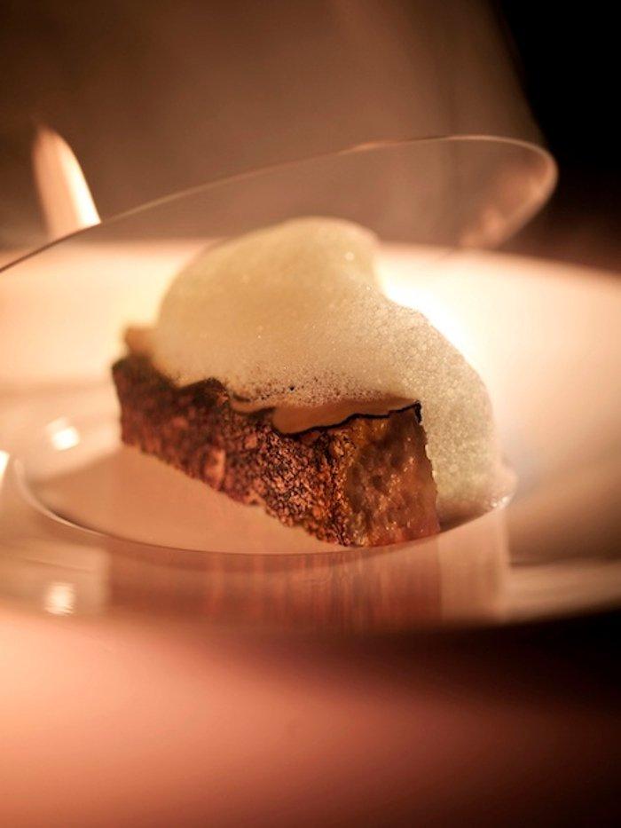 El pan de trufa del restaurante Ultraviolet by Paul Pairet