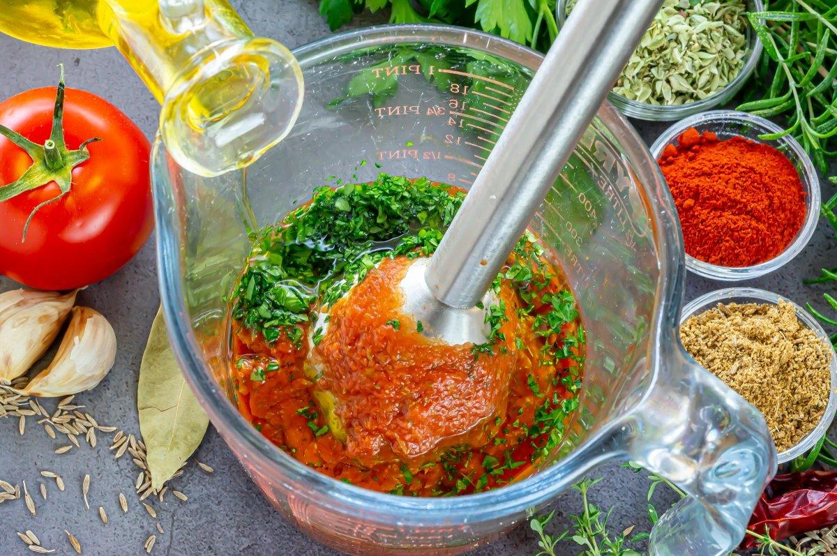 Emulsionar la salsa gaucha