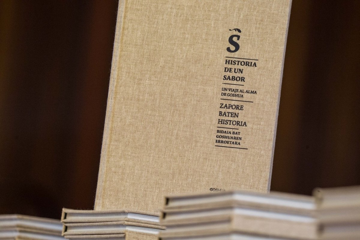 Encuadernación del libro Historia de un sabor de Goshua