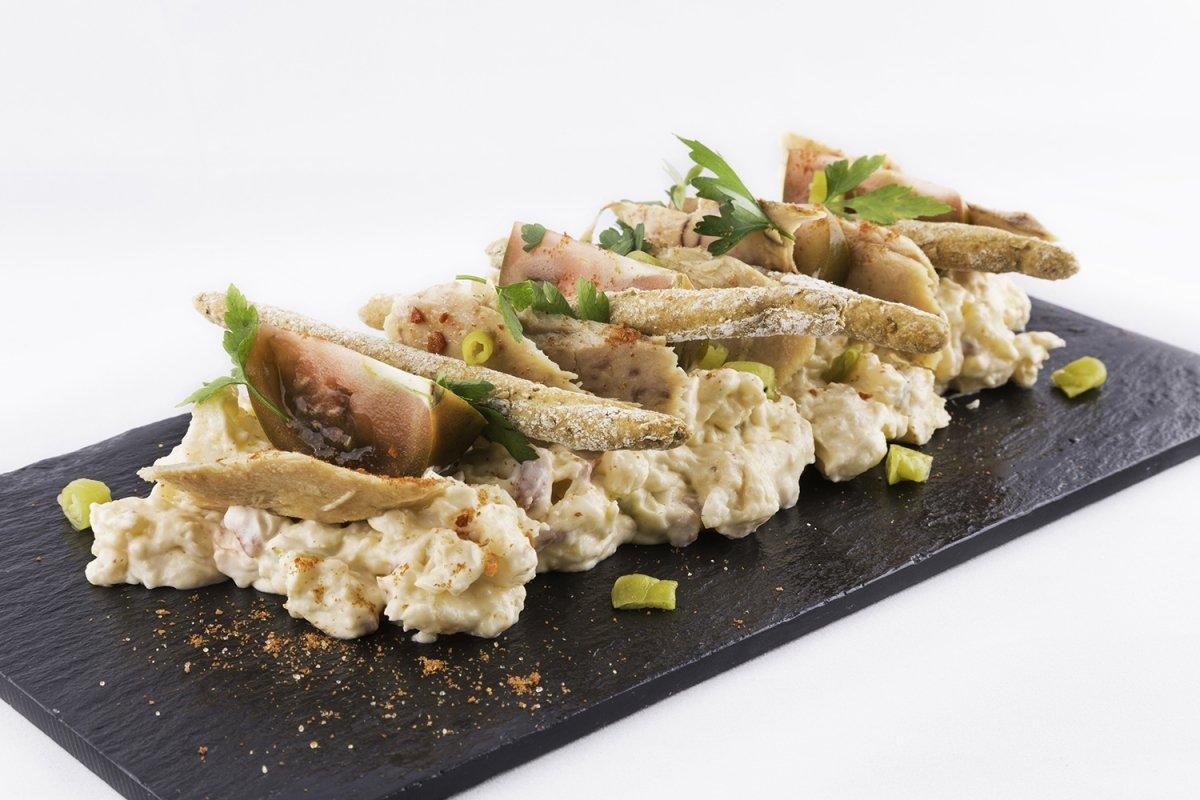 Ensaladilla rusa con ventresca de bonito del norte del restaurante Castru El Gaiteru