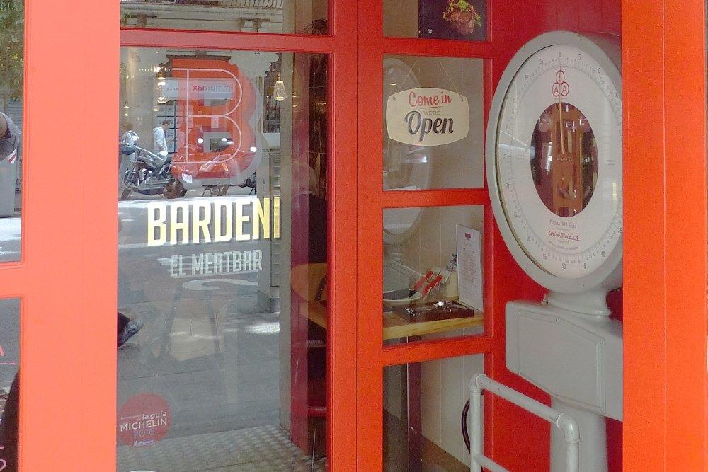 Entrada al restaurante Bardeni