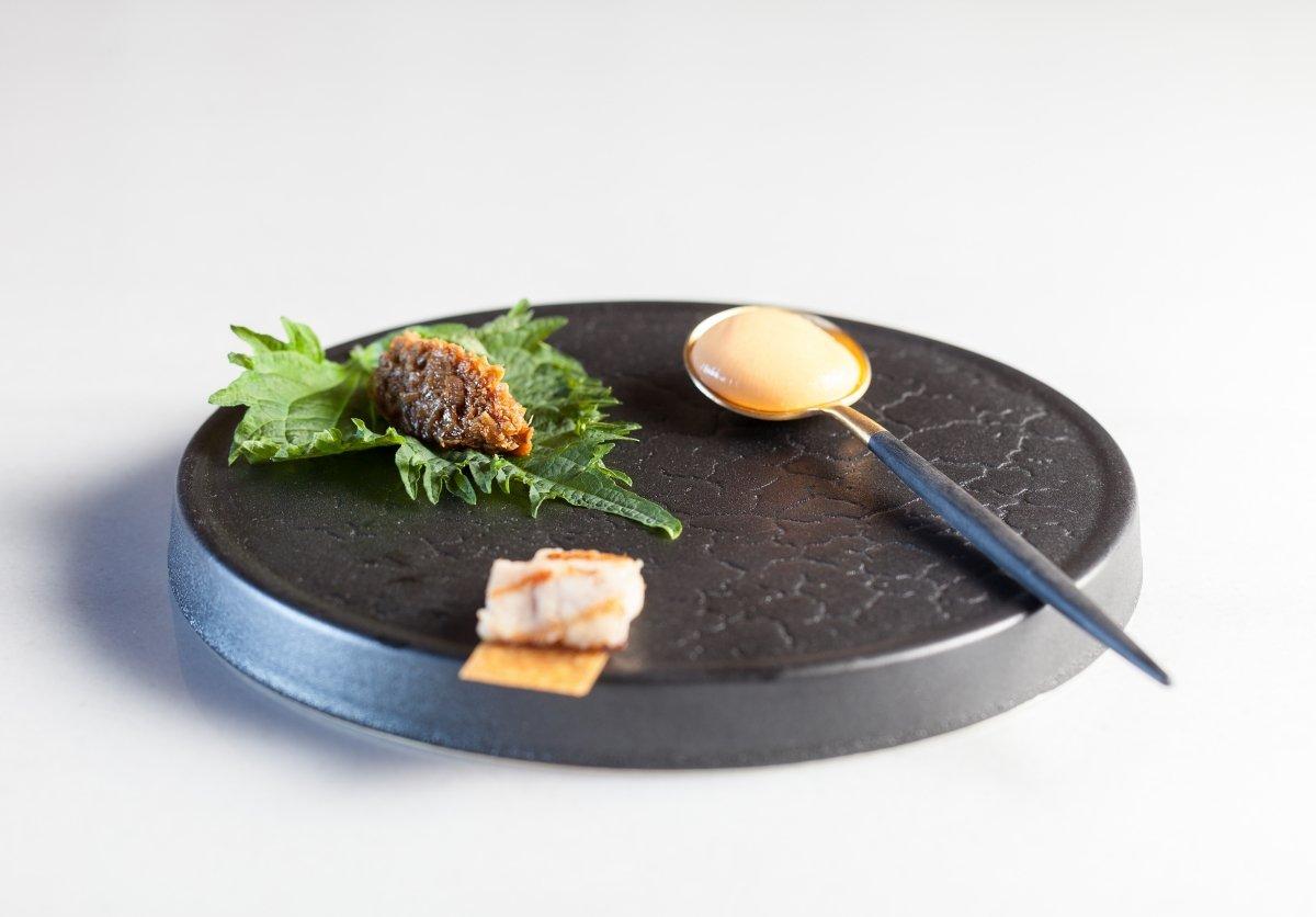 Esfera de queso y papada en Retama