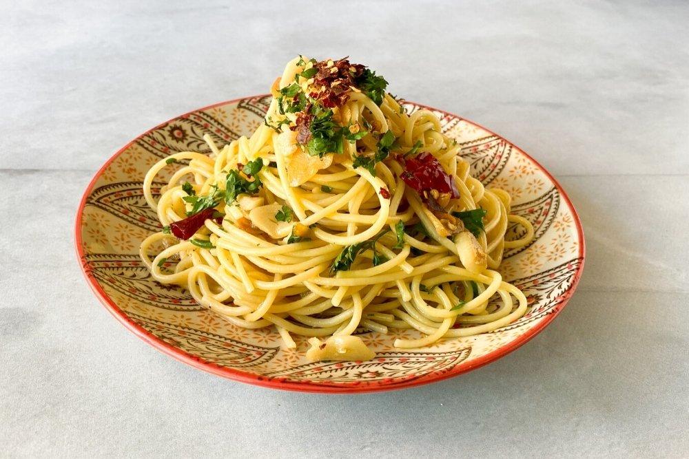 Espaguetis aglio e oleo