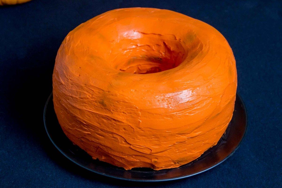 Extender el frosting por toda la tarta