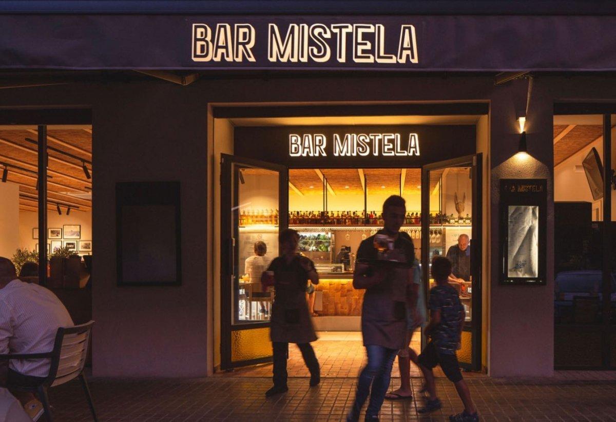 Exterior del Bar Mistela