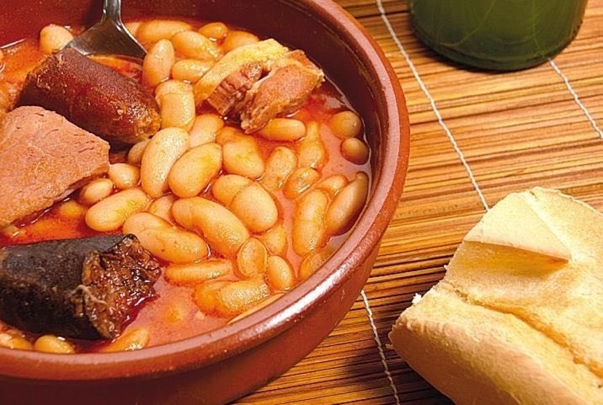 Fabada en Taberna Asturiana Zapico
