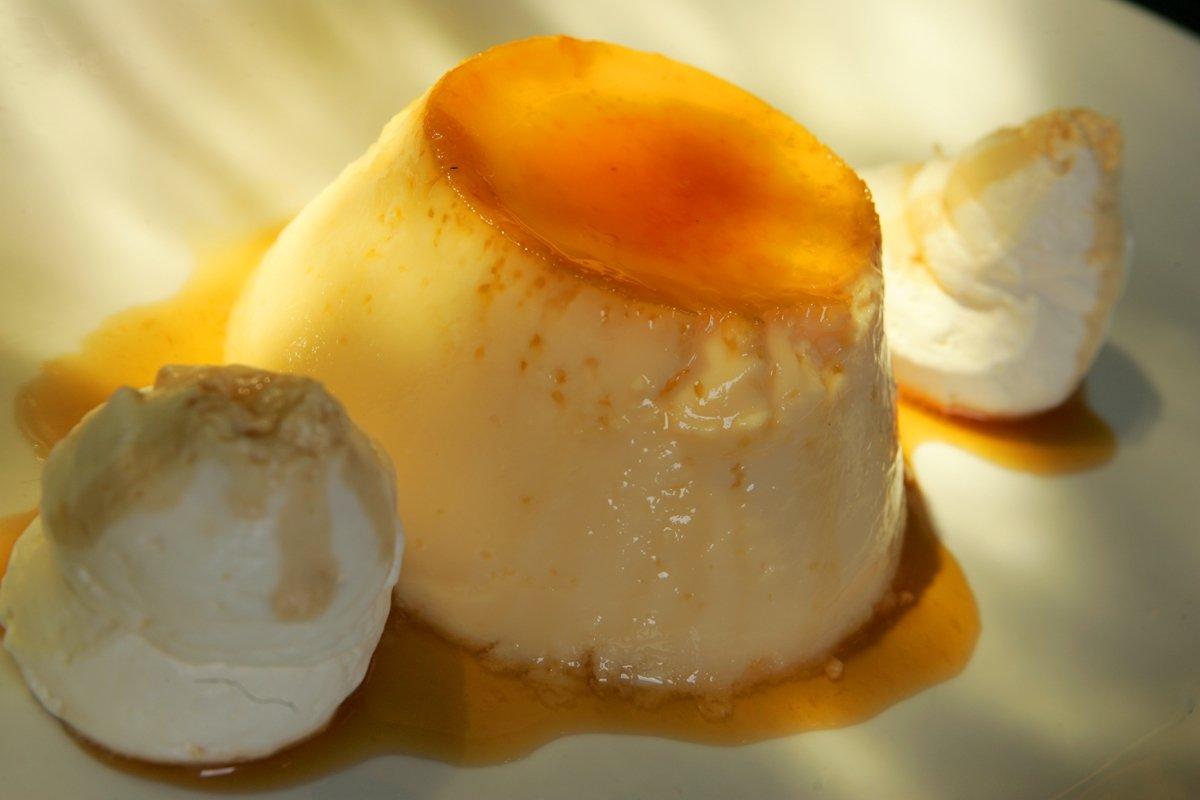Flan del restaurante De la Riva de Madrid, uno de los mejores