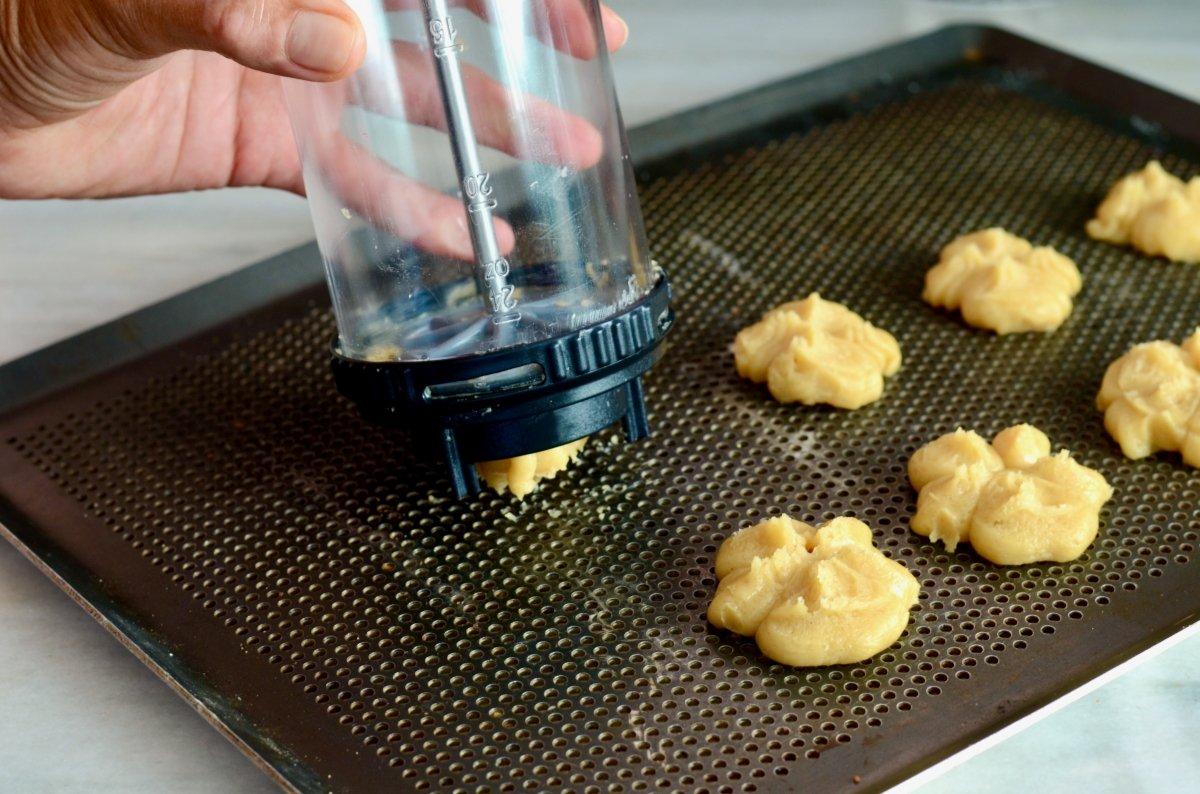 Formamos las galletas
